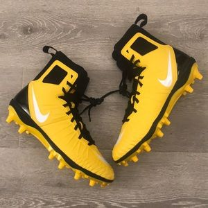 NWOT Nike Force Savage cleats